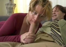 A huge cock for a plump mature woman in sexy black nylons. HD