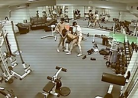 Threesome banging in the gym, watching themselves in bunch of the mirrors around