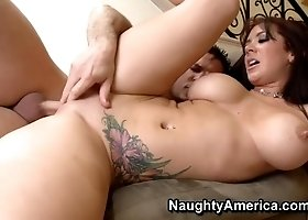 Hot shaved Russian Jayden Jaymes gives an amazing BJ