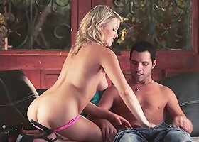 Sexy porn sluttie Mia Malkova bounced hard to a horny hot dick