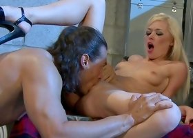 Rebecca Blue gets banged by hardcore bodybuilder