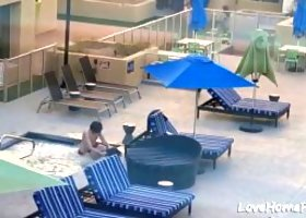 Horny couple decited to fuck in a hot tub outdoors while people watching